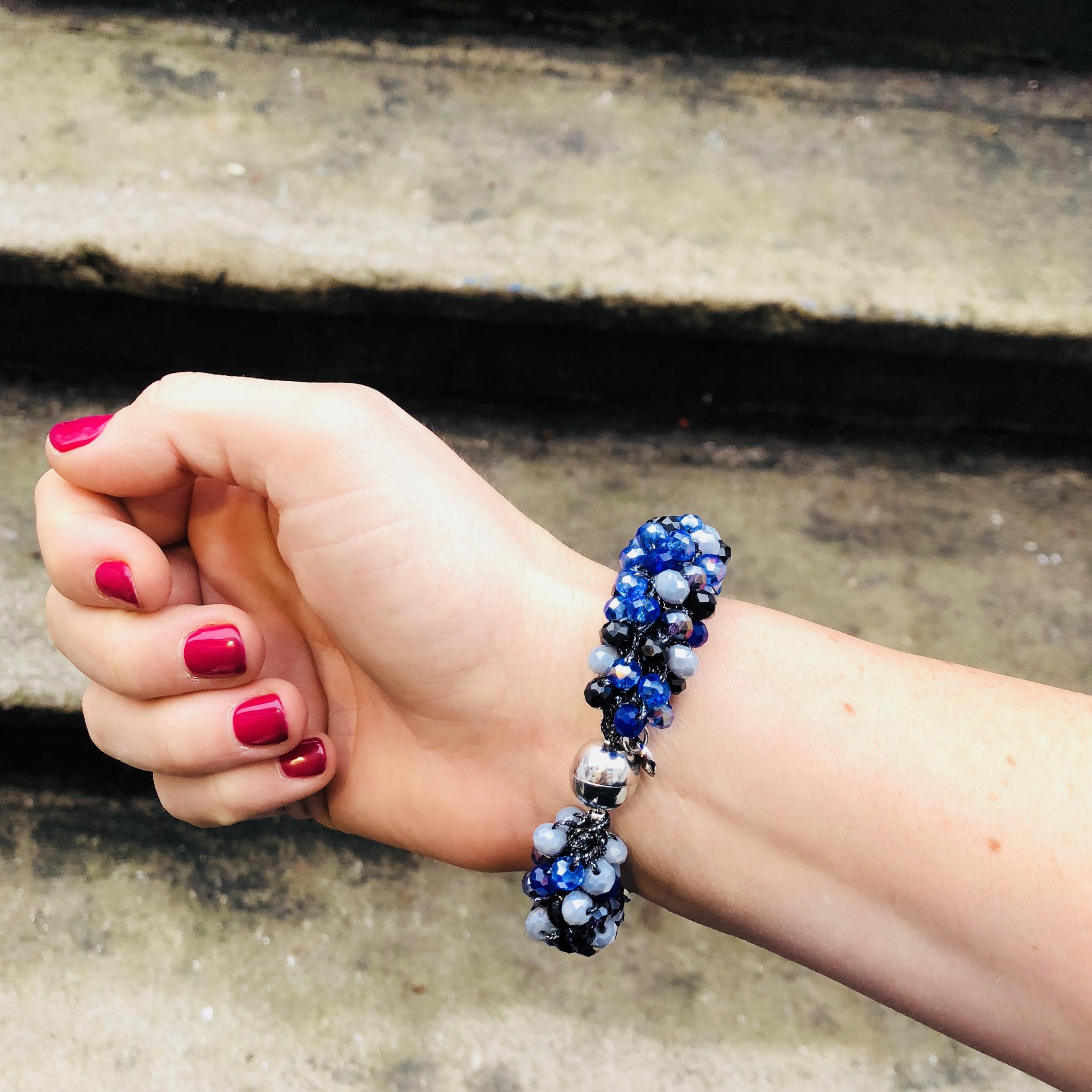 INAstyle I Blaues Armband MAGNIFICA mit Glaskristallen und silbernem Magnetverschluss!