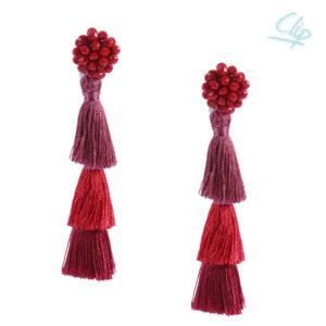 INAstyle I Roter Ohrclip FLAVIA mit Glaskristallen und drei unterschiedlich eingefärbten Quasten!
