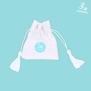 INAstyle kleines Schmucksäckchen in Weiß mit Quasten und türkisem Logo