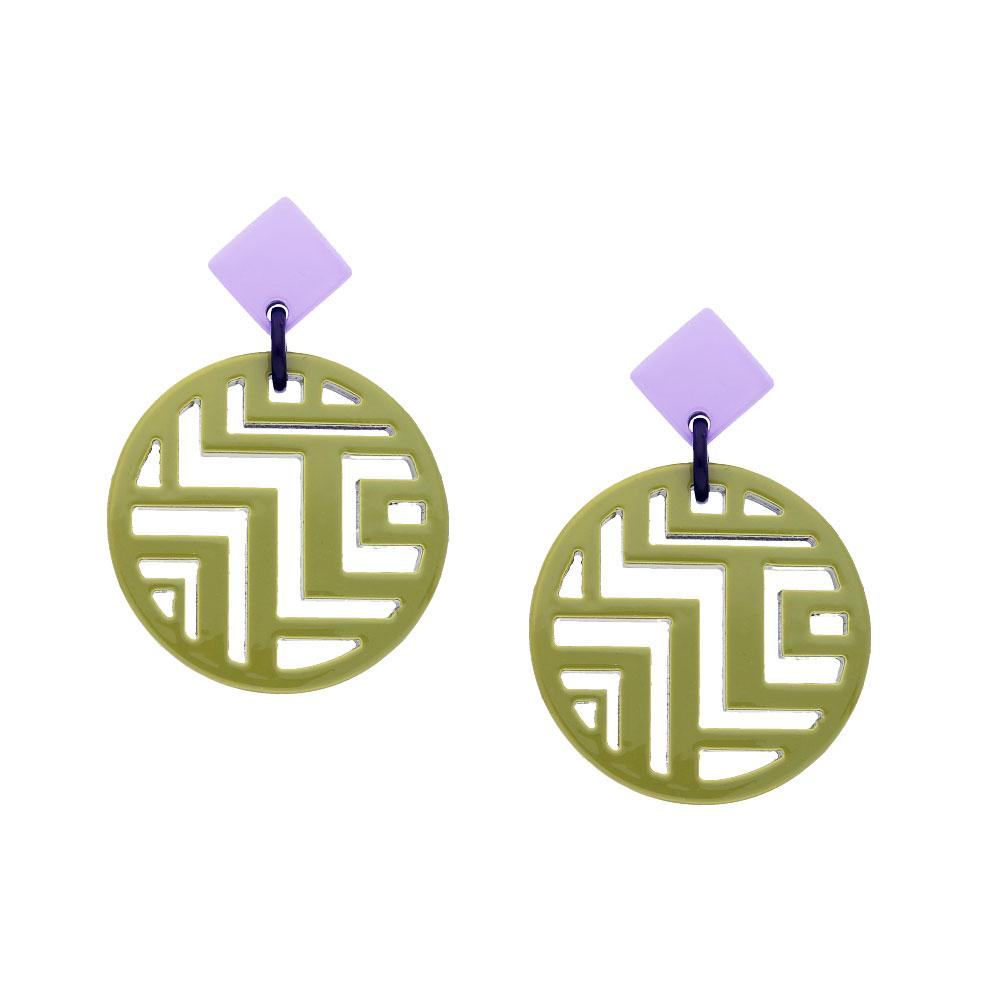INAstyle I Steckerohrring Minh in Hellgrün und Lila aus Büffelhorn mit tollem Labyrinth-Muster im Inneren des runden Anhängers!