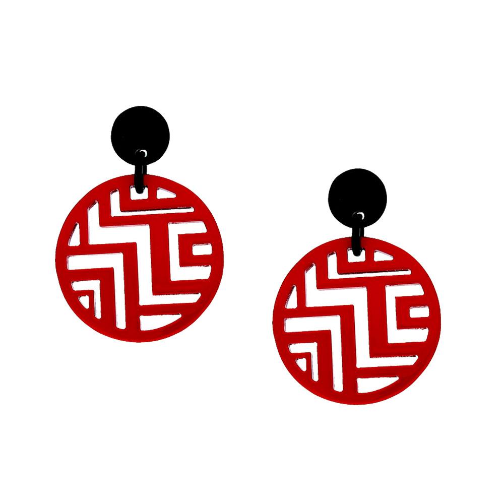 INAstyle I Runder Steckerohrring Tinh in Rot und Schwarz aus Büffelhorn und rhodiniertem Messing mit Labyrinth-Anhänger!