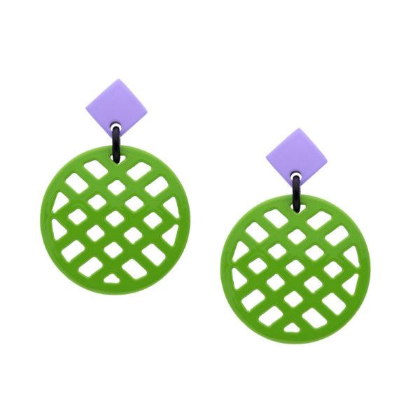 INAstyle I Steckerohrring Jardina in Hellgrün und Lila aus rundum lackiertem Büffelhorn mit Gitternetz-Muster!
