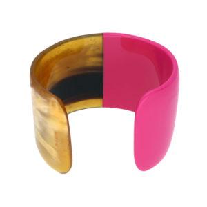 INAstyle I Armspange Brace in Pink aus Büffelhorn, teilweise lackiert!