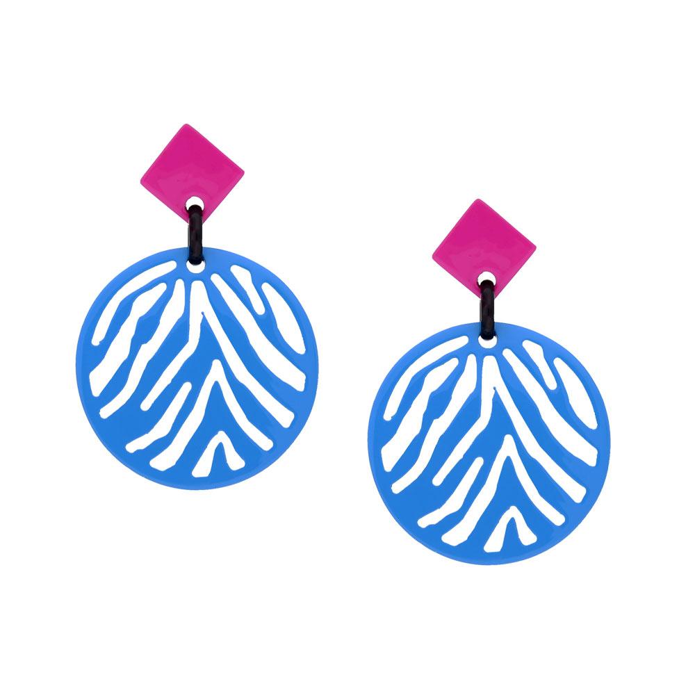 INAstyle I Steckerohrring Silja in Hellblau und Pink aus lackiertem Büffelhorn mit Zebrastreifen-Design!