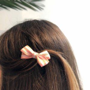 INAstyle I Haarklammer in Rosa und Weiß gestreift - im Haar!