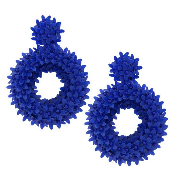 INAstyle I Großer Steckerohrring Glitta in Blau mit rundem Anhänger und vielen kleinen Blüten aus Kunststoff!